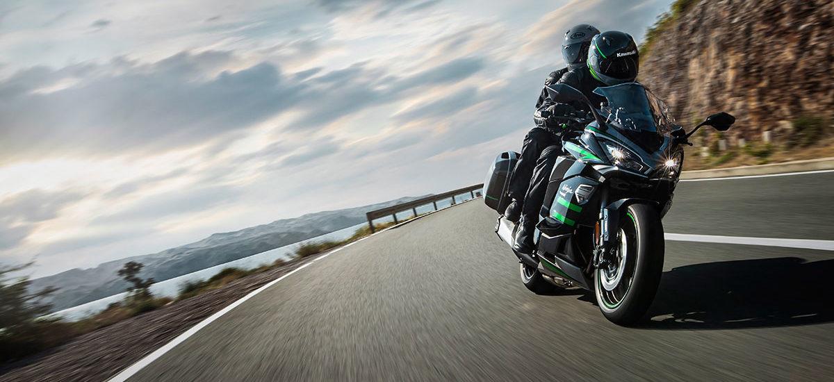 La Sport-Touring Ninja 1000 SX gagne de l'équipement et du confort