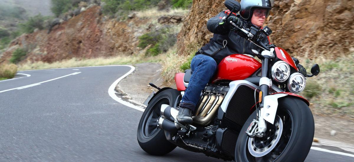 Triumph Rocket 3: (très) gros biceps et bon jeu de jambes