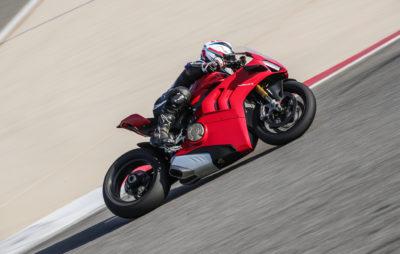 La Panigale V4 S de 2020 fait un effort envers ses pilotes :: Test Ducati