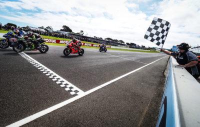 Razgatlioglu remporte la 1re course de la saison au terme d'un dernier tour haletant :: WorldSBK Australie