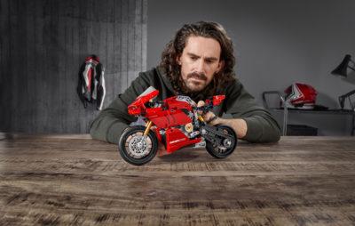 Une Panigale V4 R Lego Technic, avec une boîte de vitesses! :: Nouveauté 2020