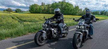 Comparatif Triumph Rocket 3 «R» vs «GT» – Des motos d'homme