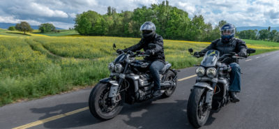 Comparatif Triumph Rocket 3 « R » vs « GT » – Des motos d'homme :: Comparo