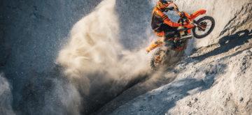 Petites touches en plus pour des Enduro prêtes à la course chez KTM