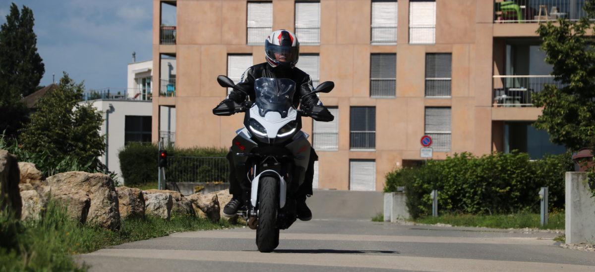 Une F 900 XR vive et véloce