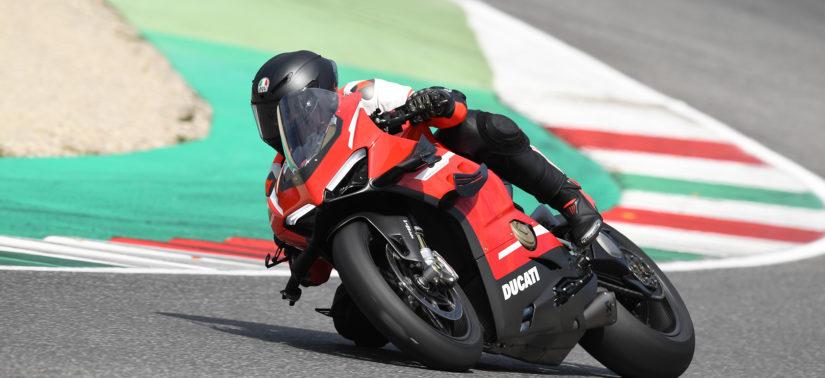 La Superleggera V4, ou l'insoutenable légèreté de l'être :: Test Ducati :: ActuMoto