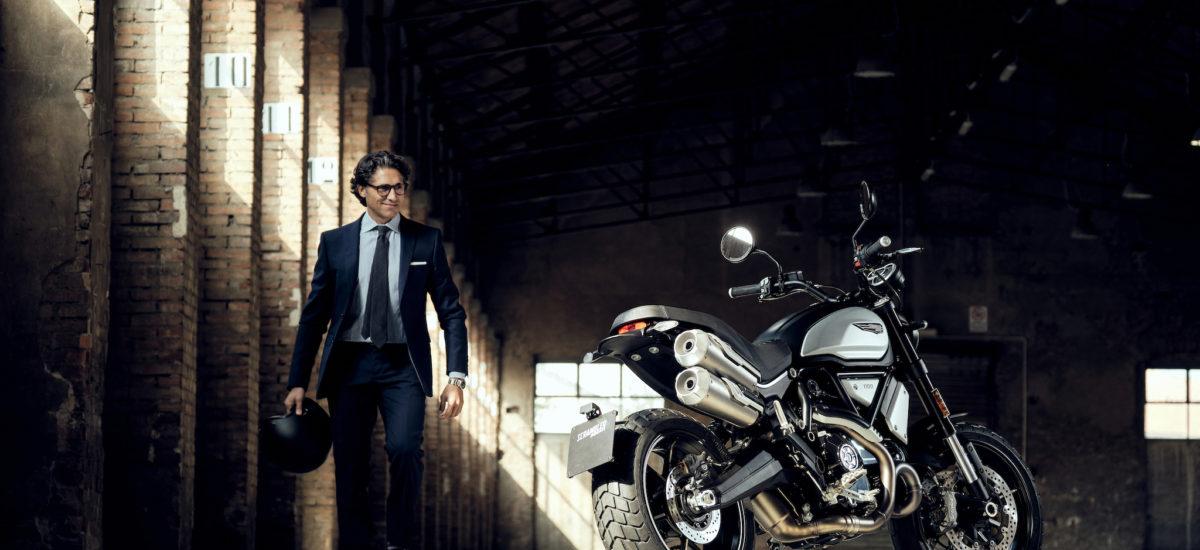 En Dark, le Scrambler Ducati 1100 PRO est plus abordable