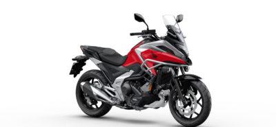 La Honda NC750X gagne de la puissance et perd du poids :: Nouveauté 2021
