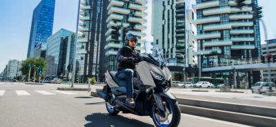Le scooter sportif Yamaha XMAX 125 version 2021 est sobre comme un chameau! :: Nouveauté 2021