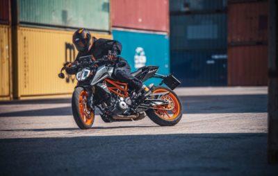 Nouveaux coloris, moteur euro 5 et quickshifter pour la KTM 390 Duke :: Naked A2