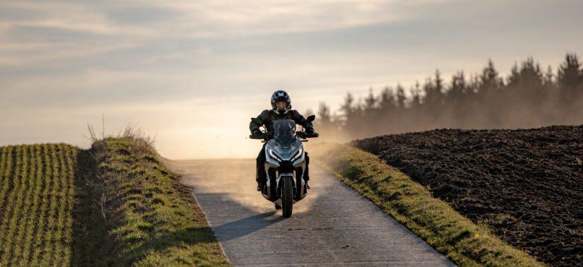 Essai – X-ADV 2021, plus maniable, toujours crossover :: Test Honda :: ActuMoto