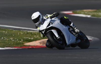 Essai Ducati SuperSport 950 S: quand sport et confort s'unissent! :: Test Ducati
