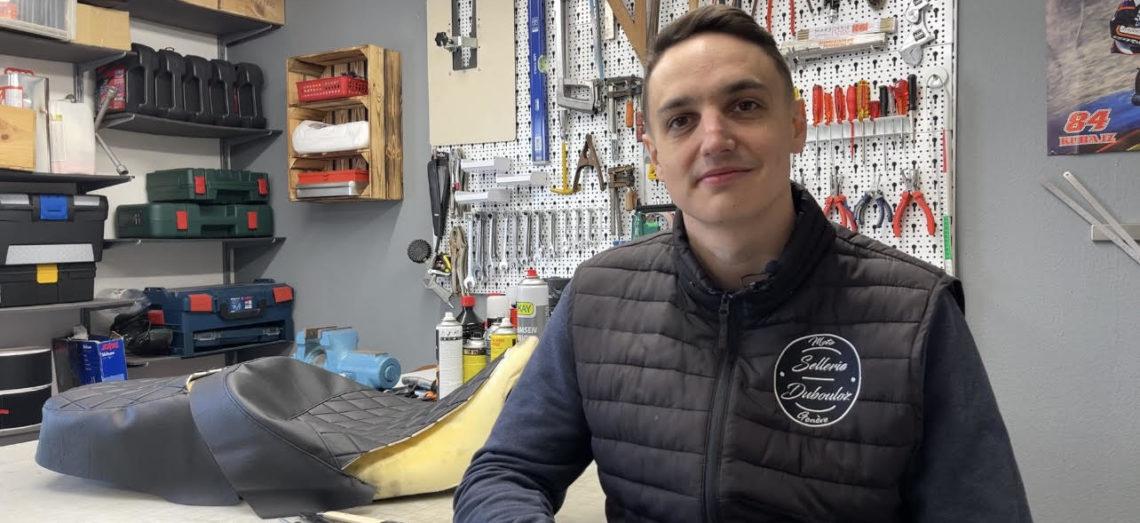 Portrait – A la rencontre de Simon Dubouloz, artisan-sellier et mécanicien en Grand Prix