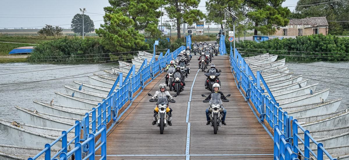 Pour son centenaire, Moto Guzzi vous invite au voyage
