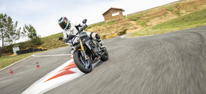 Essai – une Speed Triple plus puissante, et nettement plus agile, :: Test Triumph :: ActuMoto