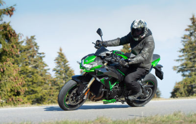 Essai ZH2 SE – Performances toujours au top, du mieux sur le confort et le freinage! :: Test Kawasaki