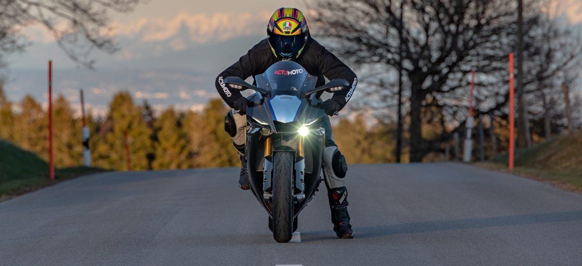 Essai Yamaha R1M, l'arme de circuit à la conquête des routes