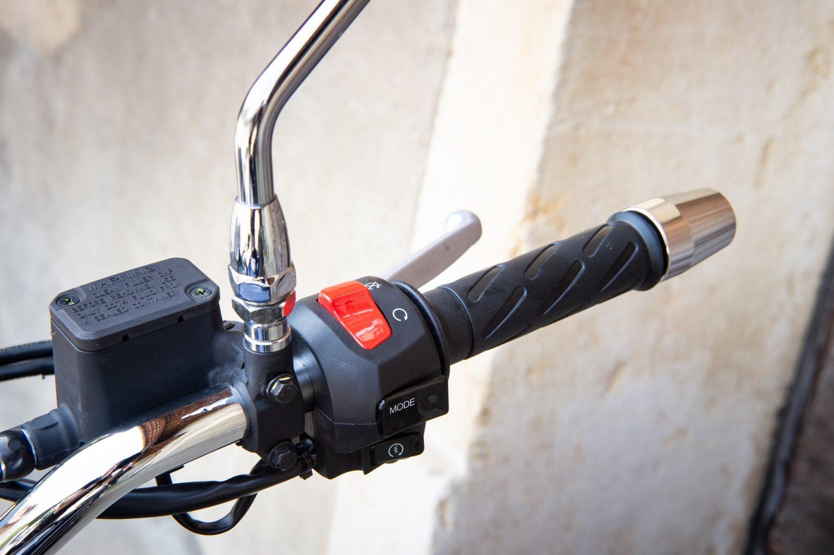 commodo Moto Guzzi
