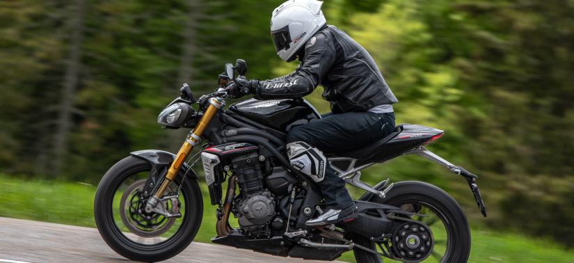 Essai de la Triumph Speed Triple 1200 RS au quotidien (et sous la pluie) :: Test Triumph :: ActuMoto