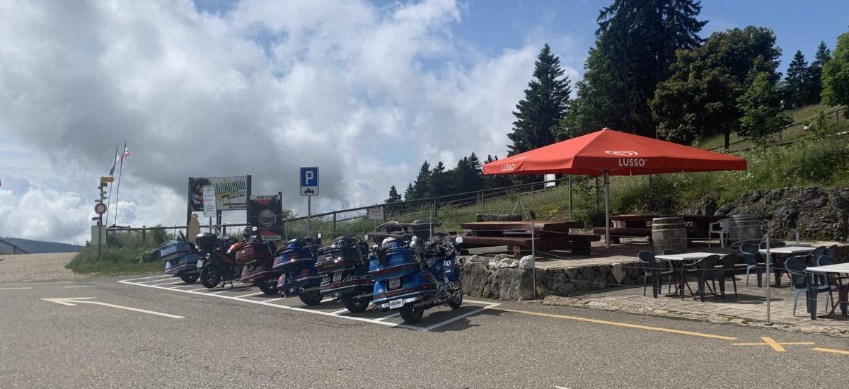 Onze places motos créées au col de la Vue-des-Alpes