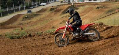 La nouvelle Honda CRF250 R voit nettement plus rouge ! :: Test Honda