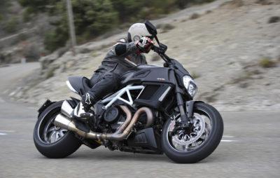 Le nouveau musculeux Ducati Diavel :: Ducati