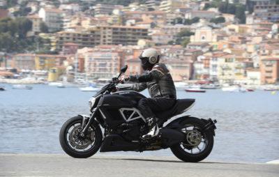 Rageuse, la Ducati Diavel 2014 :: Test Ducati
